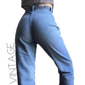 3/$50 Rockies mile high rise wedgie jeans 29 8